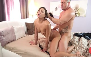 Snug titted French porn superstar Cassie Del Isla has a deprecatory be wild about occasion
