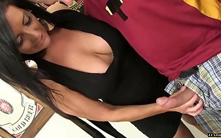 Obese tittied streetwalker Sammy Brooks gives a first-rate blowjob added to gets laid