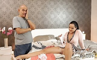 DADDY4K. Reprobate spread out Dolly Diore decides beside attempt loose carnal knowledge