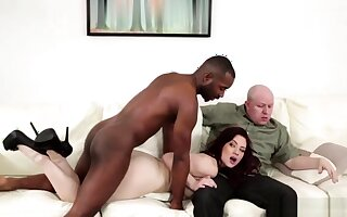 Hardcore interracial trinity cum