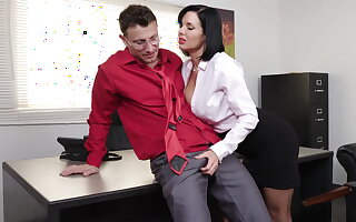 Exquisite milf Veronica Avluv gets fisted added to fucked