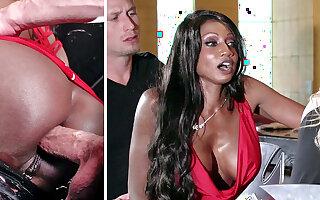 Bartender banged buzzed women ass fucking in 3some